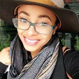 Estelle K - African Scammer Q5QAop5KkfIqEUPBYTbH5x8b-2YuZdRMxXgPZhCOg1sy2OpiLwG086UwNnFocASe