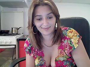 Scammers with pictures of LovelyMary4you S_EDbdifCLuPbLs5k4AbhDAP2GZriv278J4rRndz-l-AQP_u3Z4gFQfg-D00t5ds